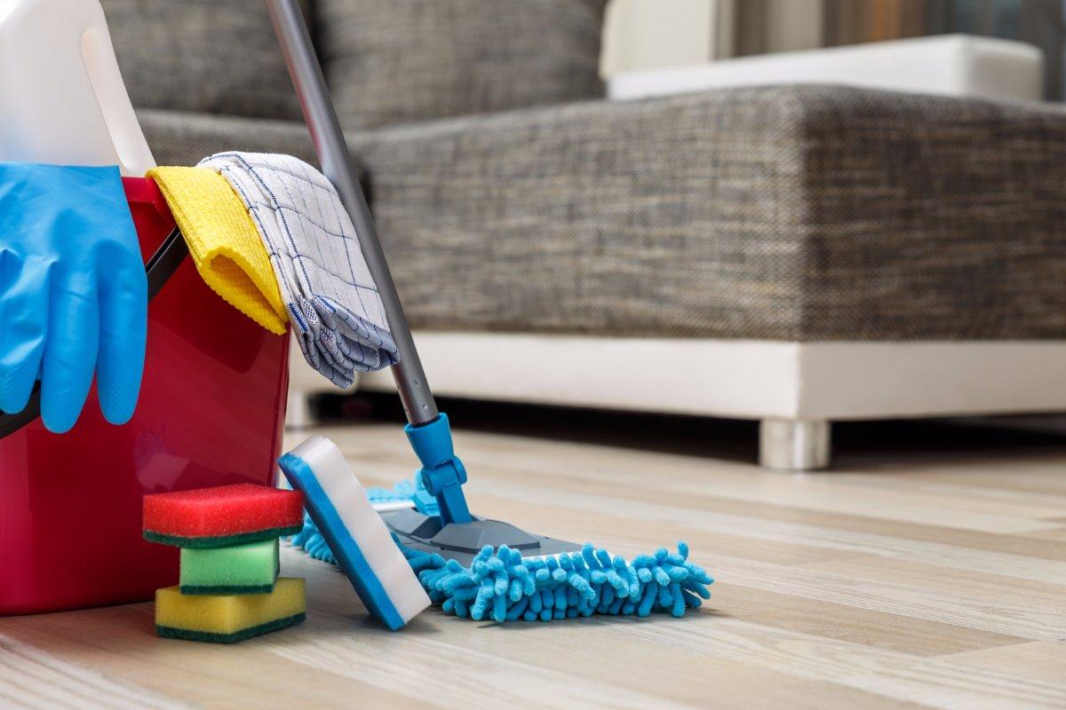 Советы опытных современных хозяек: топ-10 хитростей упрощения уборки в доме